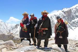 Паломники на перевале Дролма Ла (5642 м)
