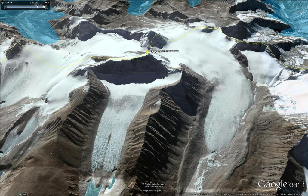 Спутниковое изображение водораздельной точки – горы Канглунг Кангри (6,235 м) с северного направления