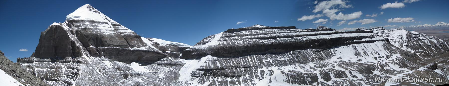 Панорама Кайласа и Нанди с вершины горы Астапад (с запада)
