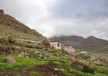 Свами Пранавананда о монастырях у Кайласа: Зутрул Пхук Гомпа